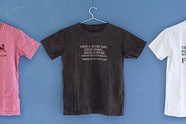 トラベラーズファクトリーのオリジナルTシャツ