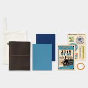 トラベラーズノート パスポートサイズ 2018 週間 茶