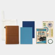 トラベラーズノート パスポートサイズ 2018 週間 キャメル